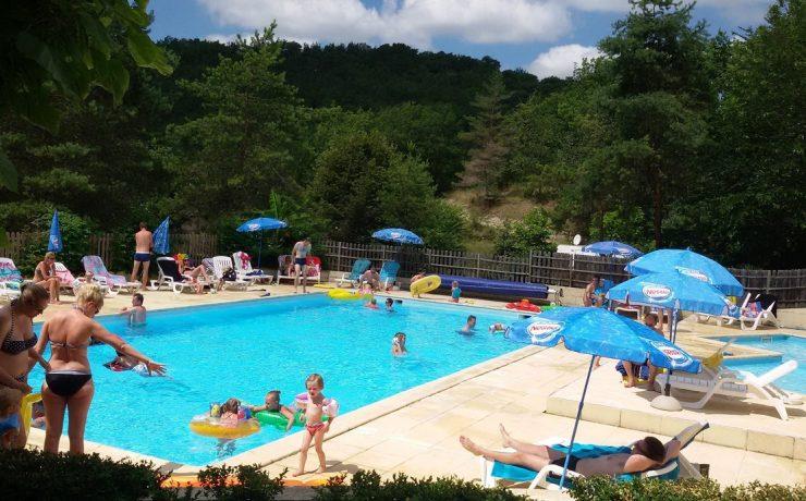 Een zwembad voor jong en oud op La Castillonderie