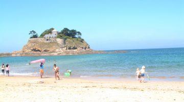 Strand en zee vlakbij Le Bois Coudrais