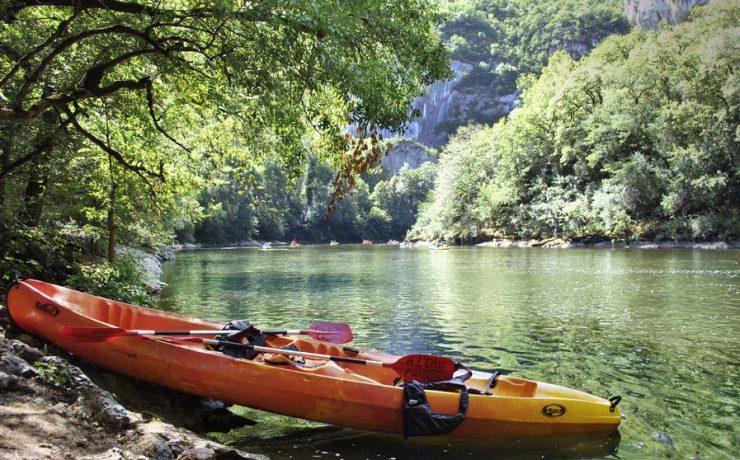 Kanovaren en meer outdoor activiteiten in de natuur op de Tarn