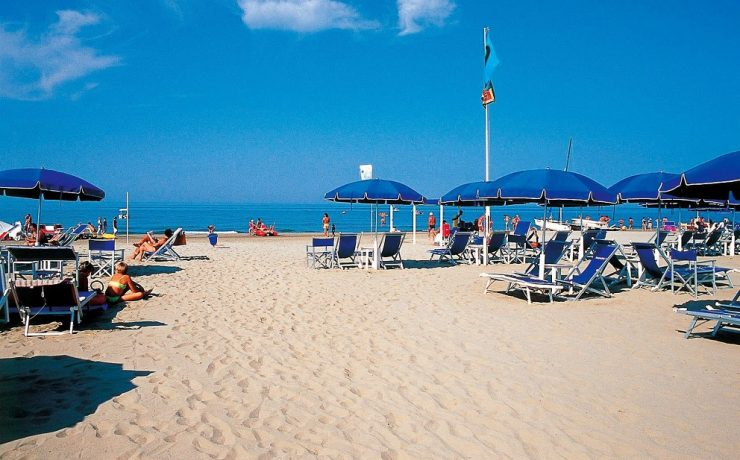 Strand van Viareggio op 1 uur rijden