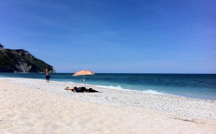 De Adriatische kust met een prachtig strand