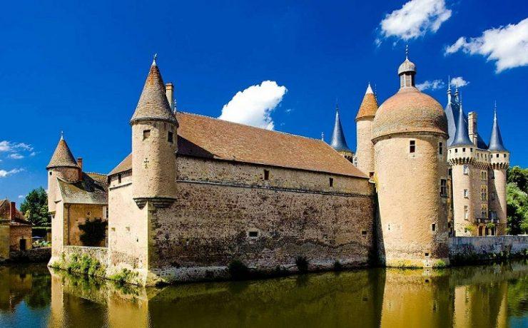 Chateau-de-la-Clayette