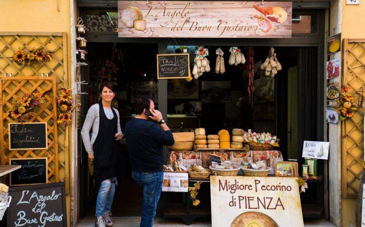 Specialiteitenwinkels en markten in Umbrie, nabij familiecamping Luna del Monte
