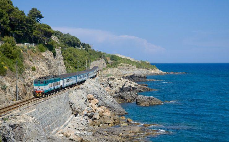 Trein van Ventimiglia naar Nice en Genua