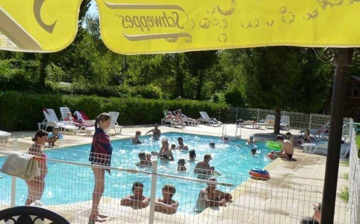 Waterpret zwembad camping La Faz, Jura Greencamp
