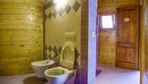 glamping met eigen sanitair op deze kleine camping. La Prugnola